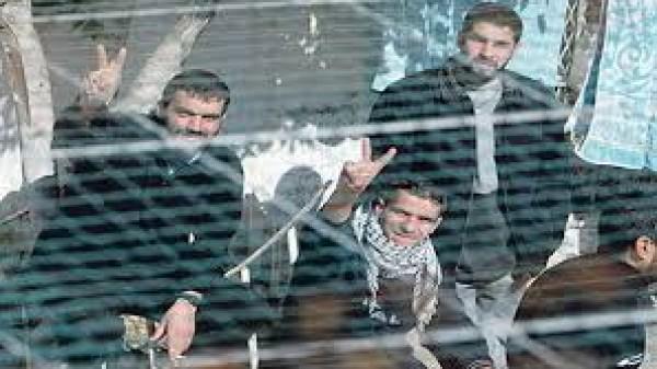 إسناداً للأسرى: الاثنين المقبل إضراب شامل في كافة الأراضي الفلسطينية