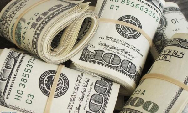العملات..الدولار يهبط
