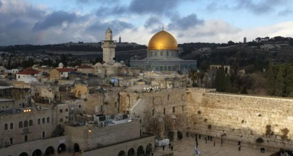 الحكومة الإسرائيلية تعقد جلستها الأسبوعية بساحة البراق لتهويد القدس