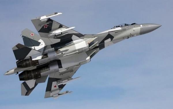 أخبار روسيا : مقاتلة روسية تعترض طائرة استراتيجية أمريكية فوق بحر البلطيق