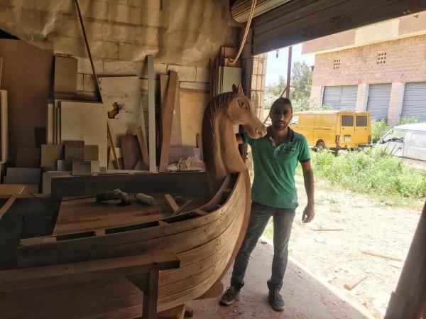 da2232a7821bf حسن سمرا يبحر بسفينته عشتار من صور إلى قرطاج