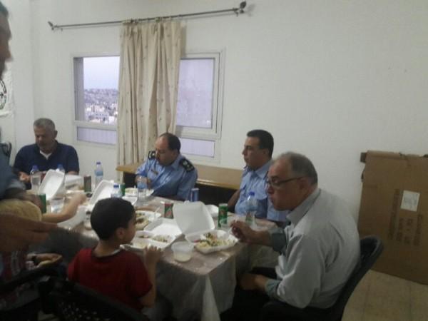 جبهة النضال الشعبي والشرطة بطولكرم تنظمان افطاراً جماعياً وأمسية فنية