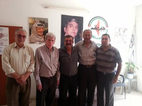 طاولة ثقافية مستديرة بمكتب جبهة النضال الشعبي الفلسطيني في طولكرم