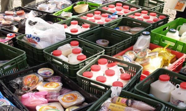 """الاقتصاد: إتلاف 60 طن مواد """"فاسدة""""وإحالة تجارٍ للنيابة خلال رمضان"""
