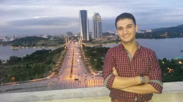 """""""الزير"""" قصة نجاح لطالب فلسطيني بالجامعات الماليزية"""