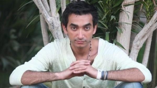 """هجوم شرس من نادر حمدي على رامز جلال:""""رامز كلب البحر""""!"""