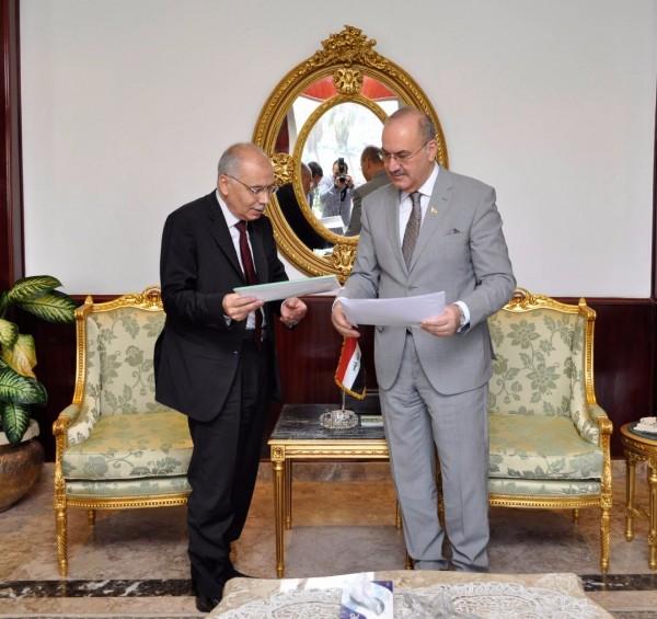 """""""الالكسو"""" تهدي 220 كتابًا لمكتبة آشور بانيبال العراقية"""