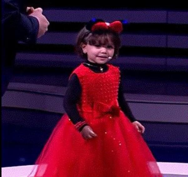 """بالفيديو:حوار طريف رفقة الطفلة ريم...من بلاطو """"رشيد شو"""""""