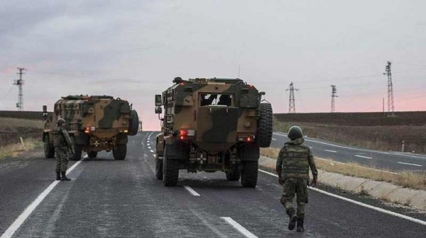 انفجار مركبة عسكرية تركية تسفر عن إصابة 17 جندياً