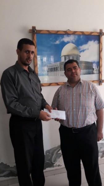 هنية يقدم (18) ألف شيقل دعماً لإنشاء ملعب معشب في الزوايدة