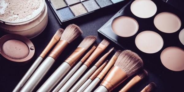 ما هي مستحضرات التجميل التي قد تضر بصحة جنينك