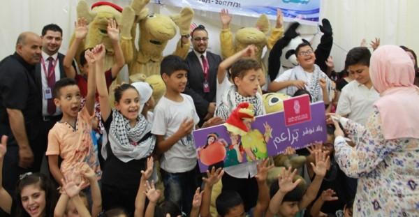 """""""عطاء فلسطين الخيرية"""" تختتم عروضا مسرحية لتشجيع الأطفال على القراءة"""