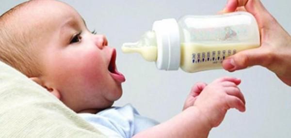 هل لحليب الأن بعد خروجه من الثدي مدة صلاحية!
