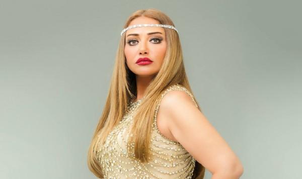 فنانة مصرية شابة تثير الجدل بسبب شبهها بـ ليلى علوي