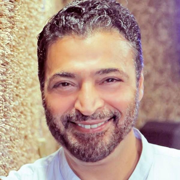 حميد الشاعري يفاجئ جمهوره بشكله الجديد