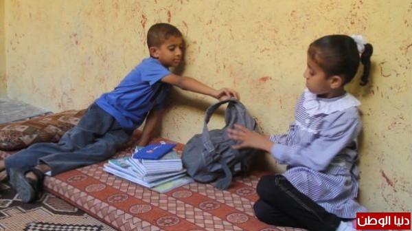 فيديو: الحقيبة المدرسية التي تعمل بدوام كامل يومياً