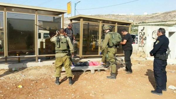 (صور).. إصابة فتى برصاص الاحتلال بزعم محاولته تنفيذ عملية طعن بالخليل