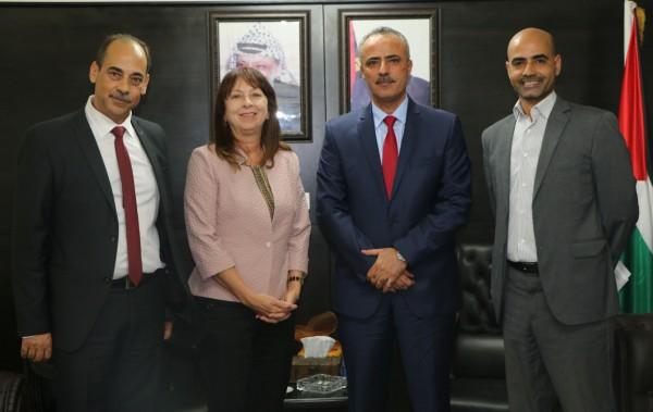 أبو دياك يبحث مع مديرة برنامج تعزيز العدالة الفلسطينية دعم قطاع العدالة