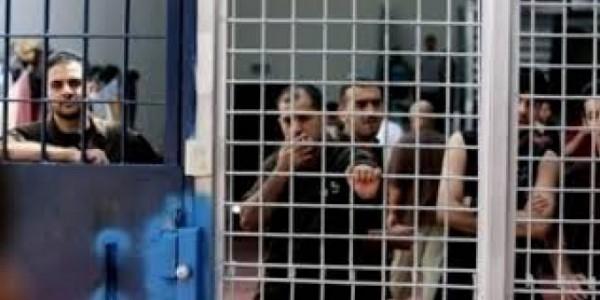 سلطات الاحتلال اعتقلت (522) فلسطينياً خلال شهر أغسطس الماضي