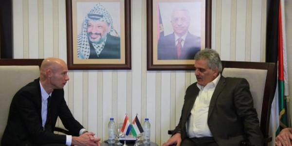 الوزير غنيم يلتقي المبعوث الهولندي الخاص لشؤون المياه الدولية