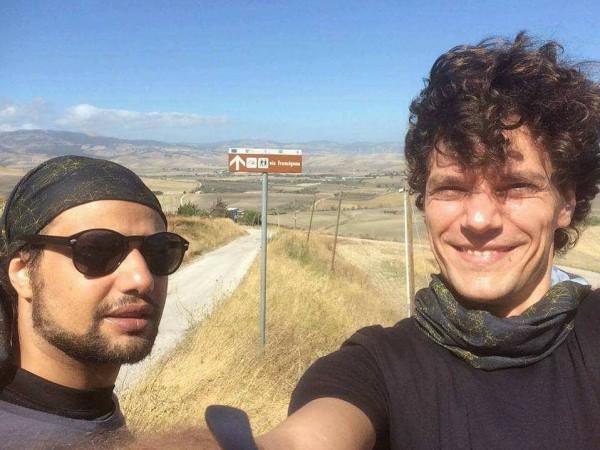 انطلاق رحلة درويش في إقليم باليا الإيطالي