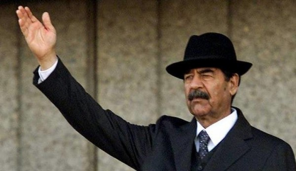 نجم تركي شهير يغيّر شكله ليشبه صدام حسين