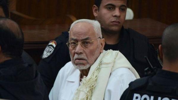 """وفاة مرشد الإخوان المسلمين السابق """"محمد مهدي عاكف"""""""