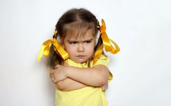 3 عبارات تتفوهي بها كأم ولكنها تزيد تصرفات أطفالك سوءاً!