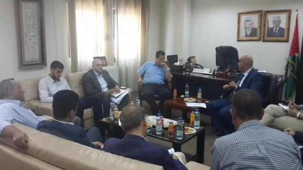 """وزارة العمل تبحث مع """"عودة"""" حقوق العمال الفلسطينيين"""
