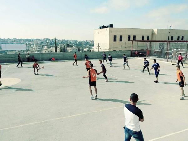 ذكور الظاهرية الثانوية تفوز ببطولة كرة اليد بتربية جنوب الخليل