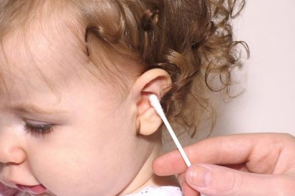 الأعواد القطنية تهدد أذن طفلك!