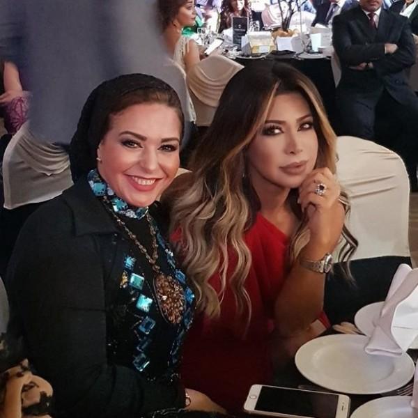 إطلالة صابرين في مهرجان الفضائيات العربية تعرضها للسخرية