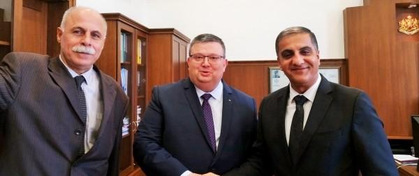 السفير المذبوح يجتمع مع المدعي العام البلغاري تساتساروف