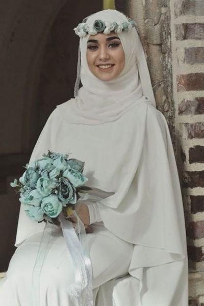 f42134a22535a صور  لفات طرح عصرية ومتنوعة للعروس المحجبة