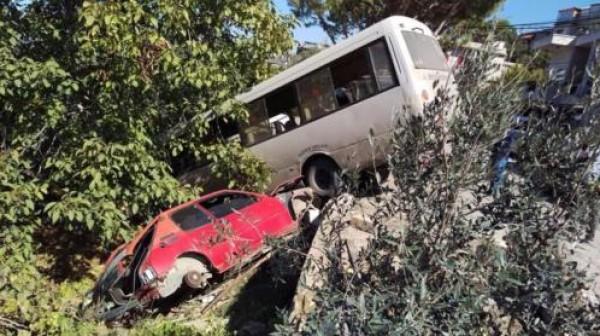 لبنان.. جرحى بحادث سير بين باصين لنقل الركاب
