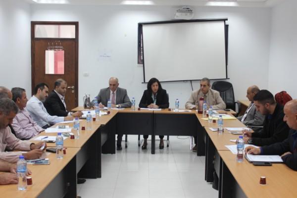 وزيرة الاقتصاد تترأس الاجتماع الأول للجنة التوجيهية لتطوير مدينة ترقوميا الصناعية
