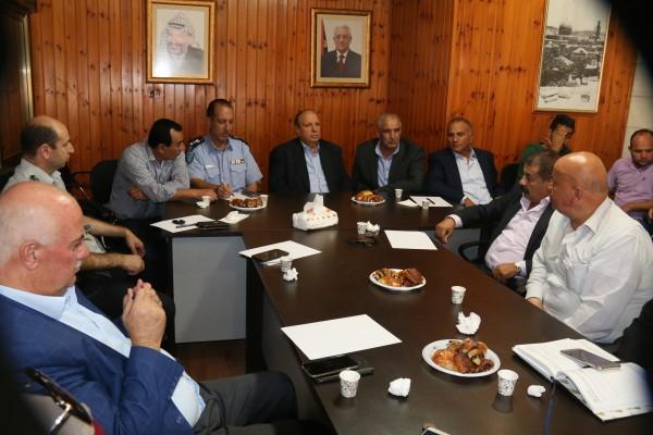 الحسيني يدعو الى جهد تكاملي خلال جلسة المجلس التنفيذي لمحافظة القدس