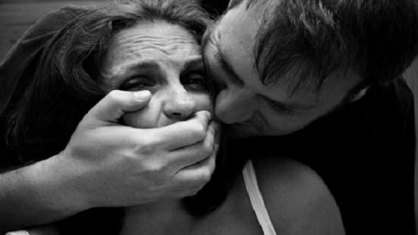 شاهد محامي مصري اغتصاب الفتاة غير المحتشمة واجب وطني