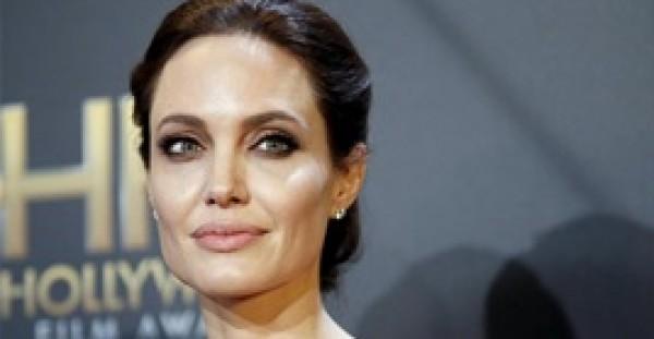 صور حقيقية دون تعديل تكشف نحافة أنجلينا جولي المُخيفة