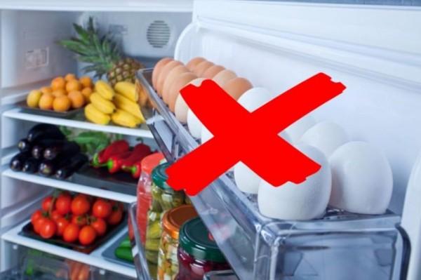 تحذير لا تضع البيض في باب الثلاجة وإلا