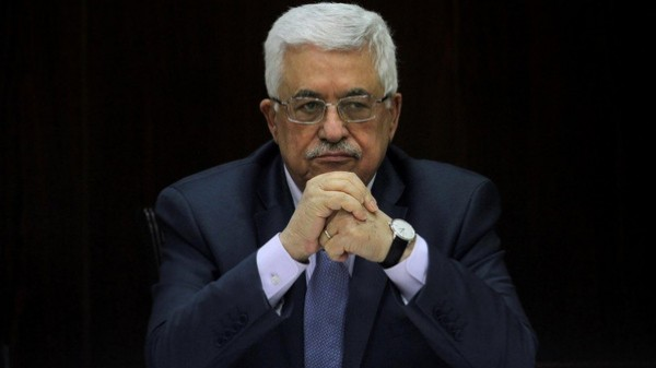 مسؤول فلسطيني يكشف زيارة السعودية: الرئيس (مضطرب) وضغوطات عربية لاستقالته