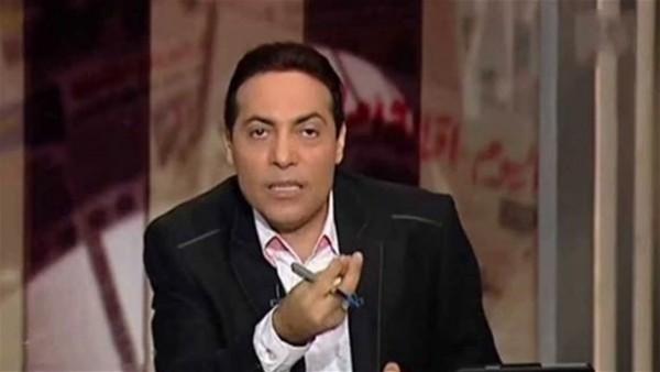 شاهد: إعلامي مصري ينفعل على فريق إعداد برنامجه على الهواء