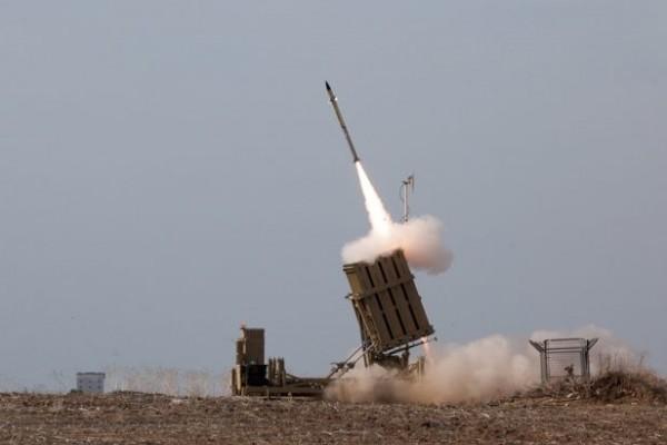 """إسرائيل في حالة تأهب.. نشر بطارية """"القبة الحديدية"""" بتل أبيب"""
