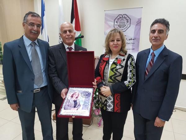 الحكومة الفرنسية تمنح رتبة الفارس لنائب رئيس جامعة القدس
