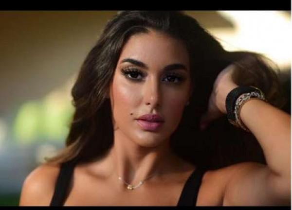 ياسمين صبري تخطف الأنظار في دبي بـ جمبسوت مثير على خطى هيفاء وهبي