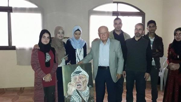 تنظيم ندوة سياسية و معرض صور للشهيد عرفات في ذكراه