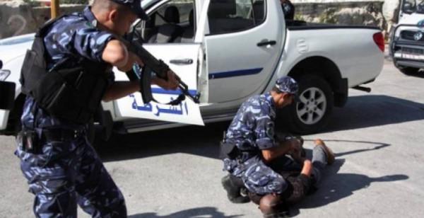 القبض على مطلوب خطير ومشتبه بارتكابه 200 جريمة سرقة بالخليل