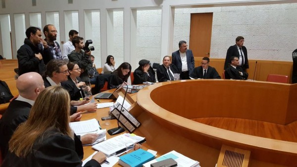"""المحكمة العليا الإسرائيلية تبحث قانون """"طرد النواب"""""""