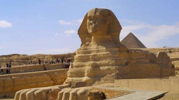 """شاهد: النقل المصرية تكشف حقيقة العثور على """"أبو الهول"""" الثاني"""