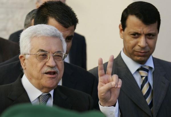 دحلان للرئيس عباس: سر ونحن خلفك واصنع تاريخاً جديداً